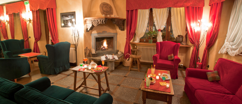 italy_courmayeur_hotel_courmayeur_lounge.jpg